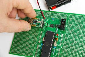 Mini-USB-Modul-UM2102_am Projekt RN-AVR Universal
