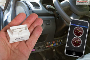 mini-obd2-bluetooth-adapter-smartphone-titel