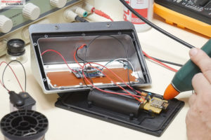 ESP12E-Modul-Lochraster-Temperatursensor-Solarlampe3